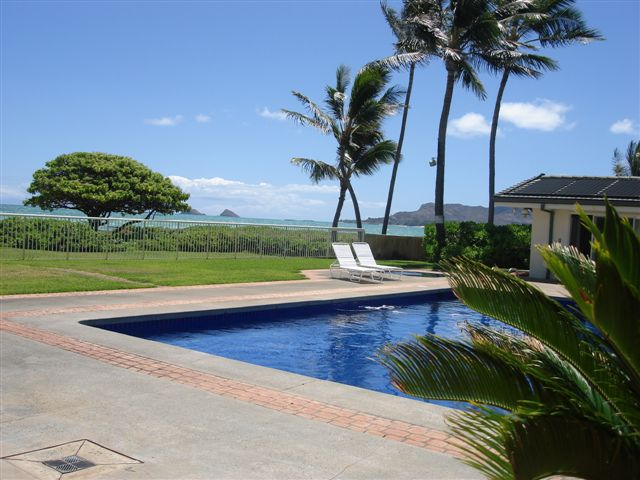A PIECE OF HEAVEN - 5 Bedroom 5 Bath Kailua Beach Estate Rental