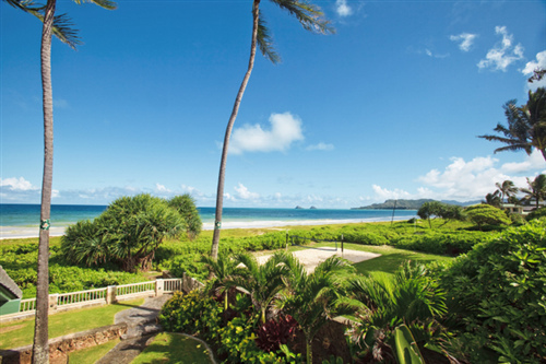 A PLACE ON THE BEACH - 5 Bedroom 5.5 Bath Oahu Beach Estate Rental
