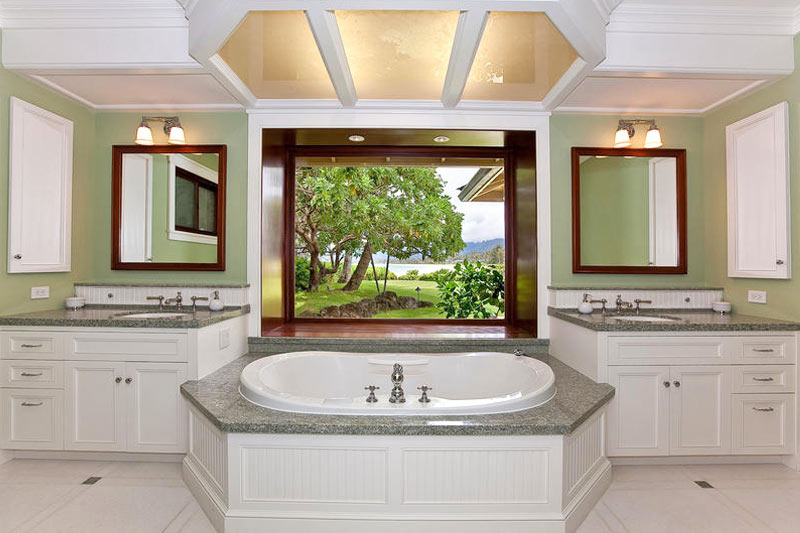 Deep soaking tub with Kailua Bay view