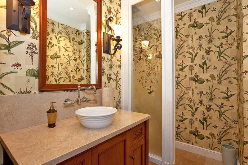 4th guest bathroom