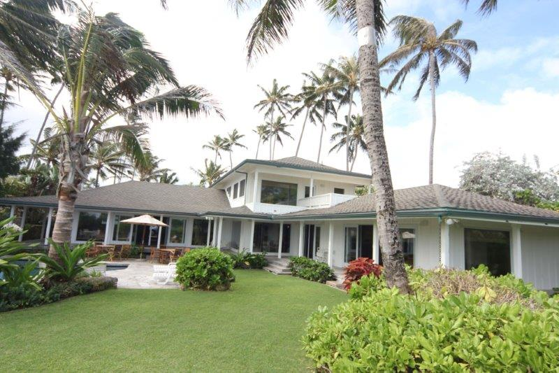 Kailua Beach Estate Six Bedroom Beach Front Vacation Home With