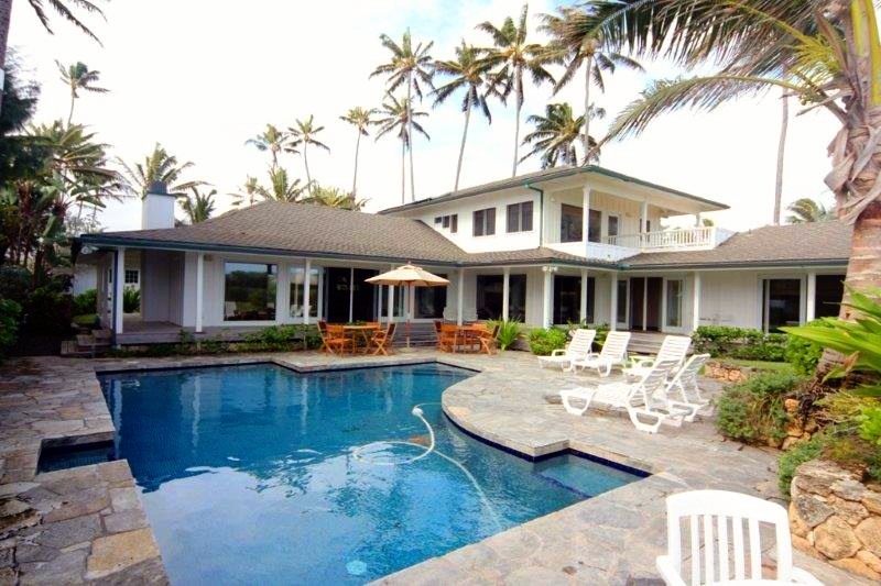 KAILUA BEACH ESTATE - 6 Bedroom 4 Bath Oahu Vacation Rental