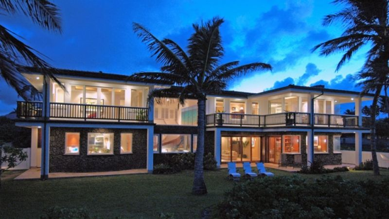 Kailua Vacation Home Lit Up At Night Main Entry To Palm Beach House